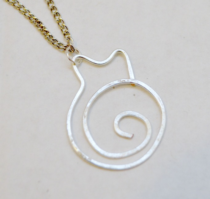 Hammered Wire Cat Necklace
