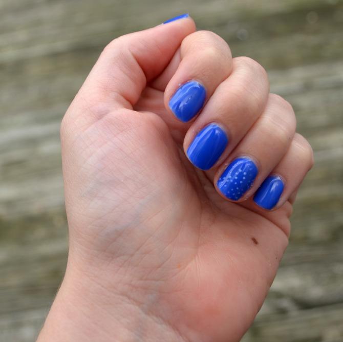 Blue Spiral Nail Art - Amy Latta Creations
