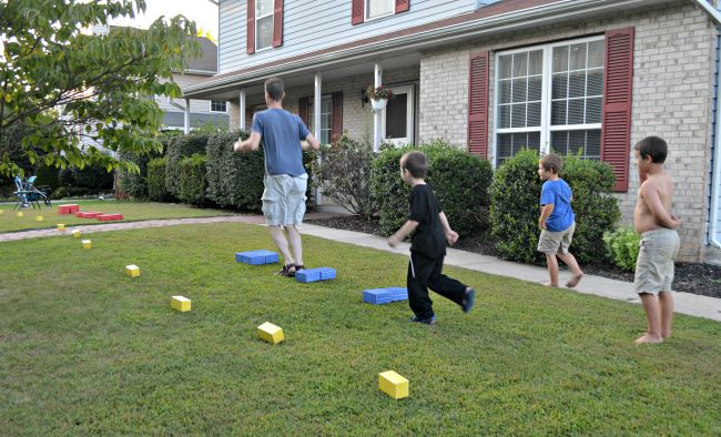 Come Out to Play: Outdoor Activities for Kids - Amy Latta ...