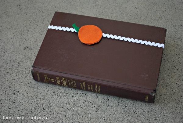 Elastic Pumpkin Bookmark