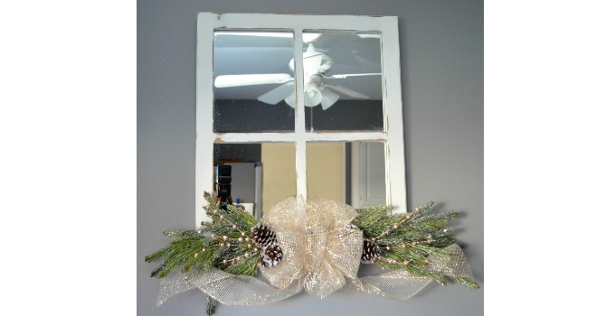Holiday Wall Decor: Repurposed Mirror