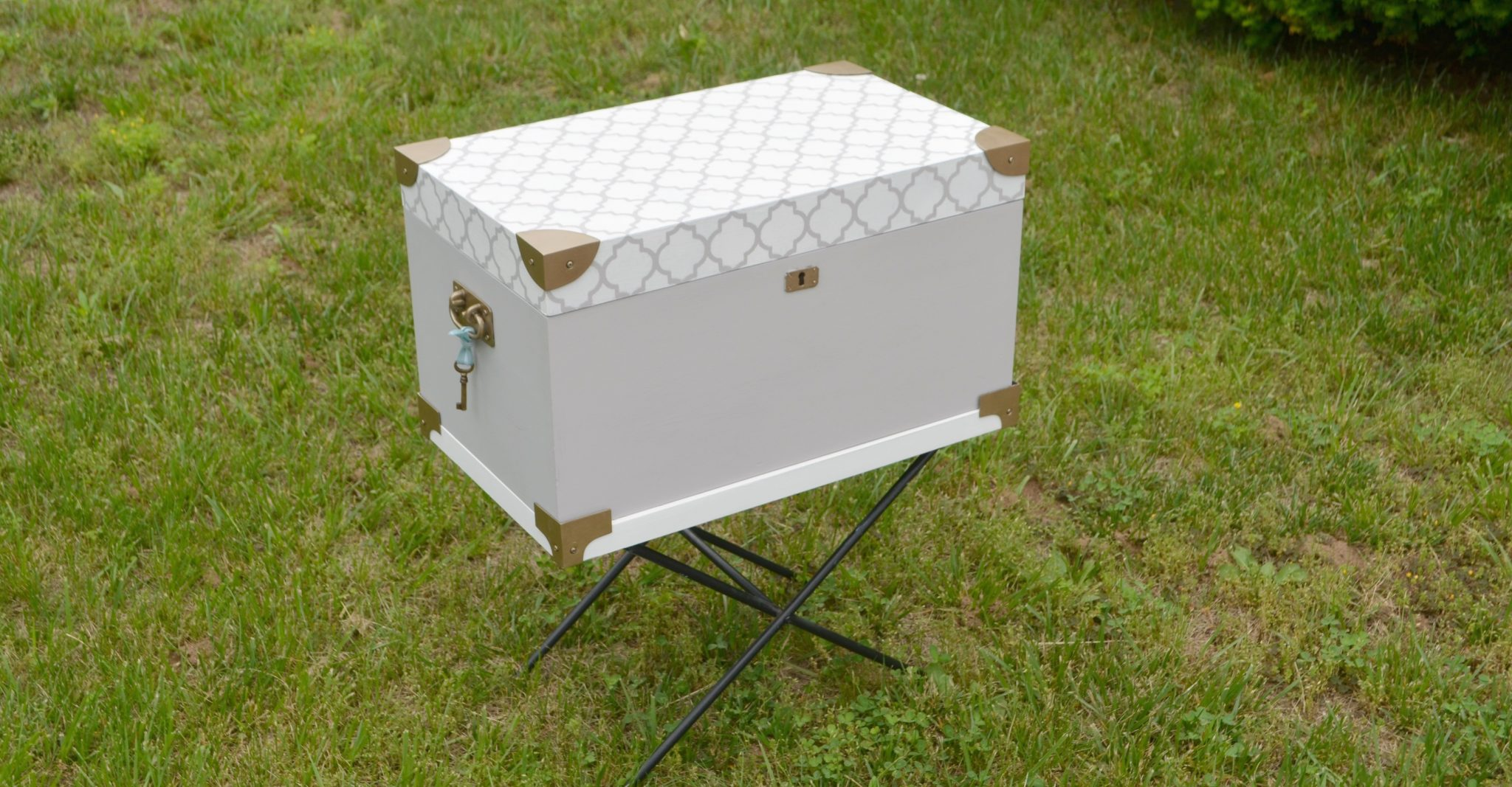 painted wooden chest a makeover with folkart home decor chalk here s how i transformed it using one of my trusty go to supplies folkart home decor chalk paint